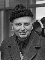 Elmar Klos, zdroj wikipédia