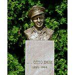 Otto Smik, zdroj wikipédia